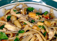 Chicken Linguine with Spicy Peanut Sauce