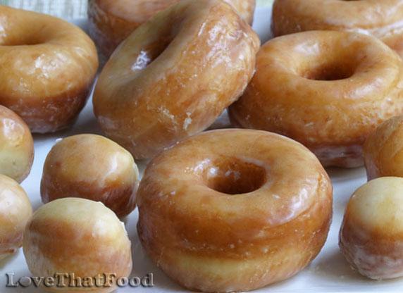 yeast raised doughnuts fauzia s kitchen fun yeast raised chocolate ...